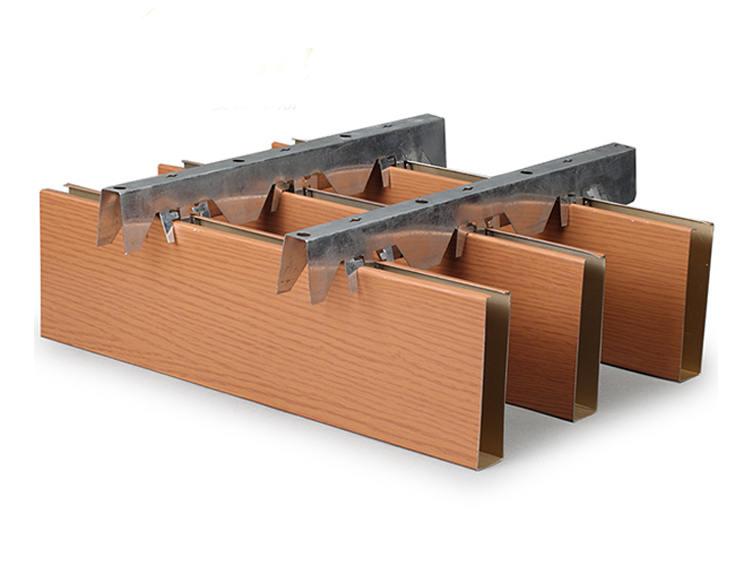 吊顶U型木纹铝方通