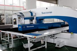 进口铝单板大型数控转塔冲床设备